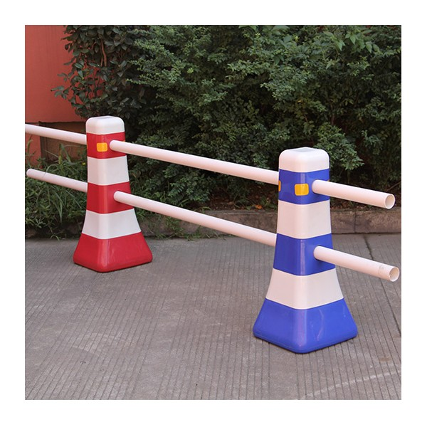 Rubber Water Barrier : Water barrier hard shoulder road plastic